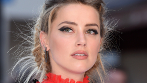 Amber Heard HD Background