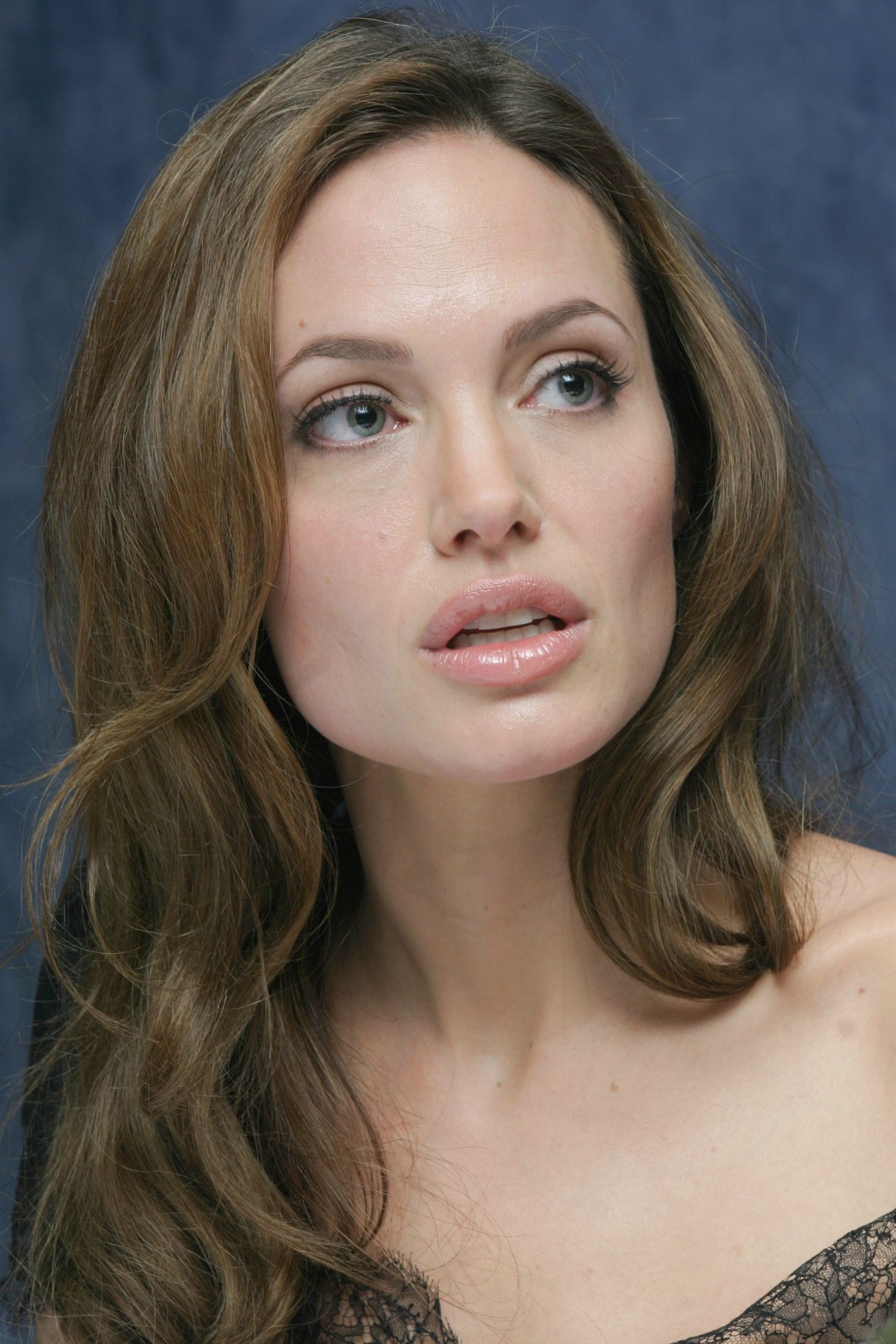 Angelina Jolie Android Wallpapers