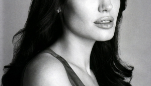 Angelina Jolie Desktop For Iphone