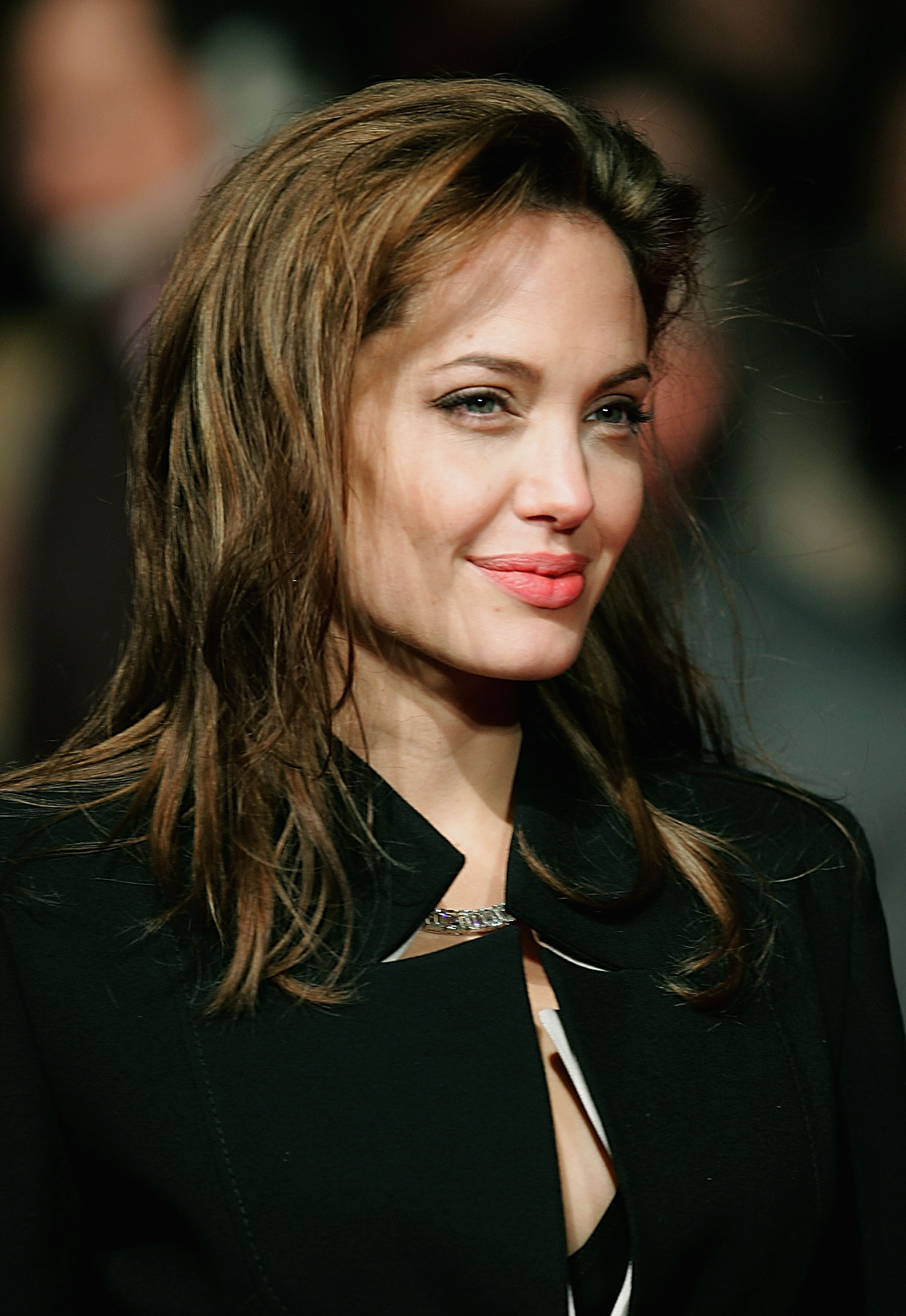 Angelina Jolie Free Download Wallpaper For Mobile
