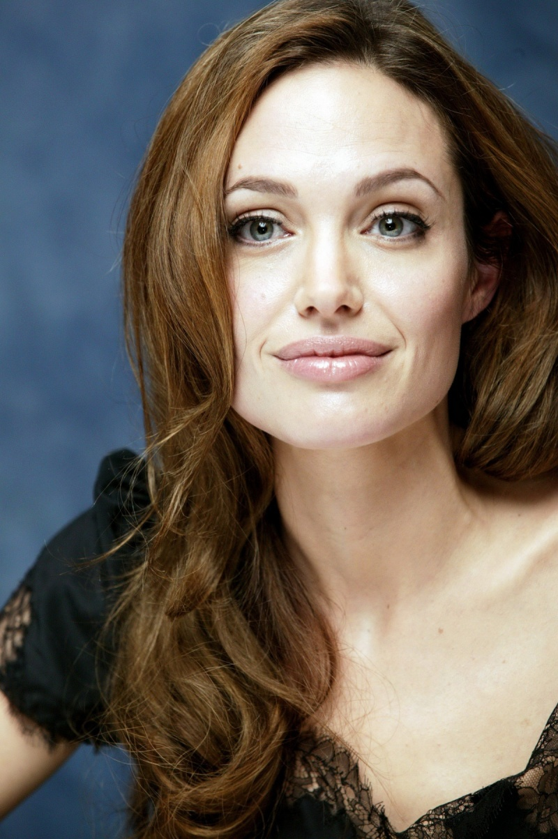 Angelina Jolie HD Iphone