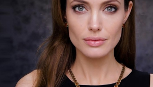 Angelina Jolie For Smartphone