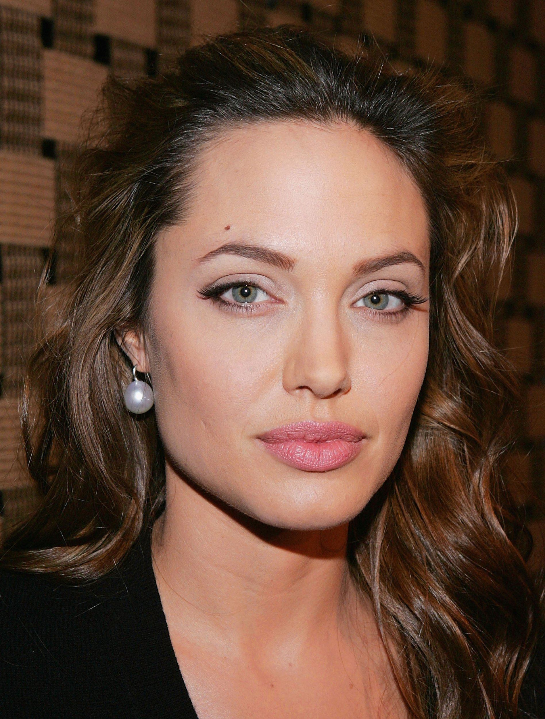 Angelina Jolie Iphone Wallpapers