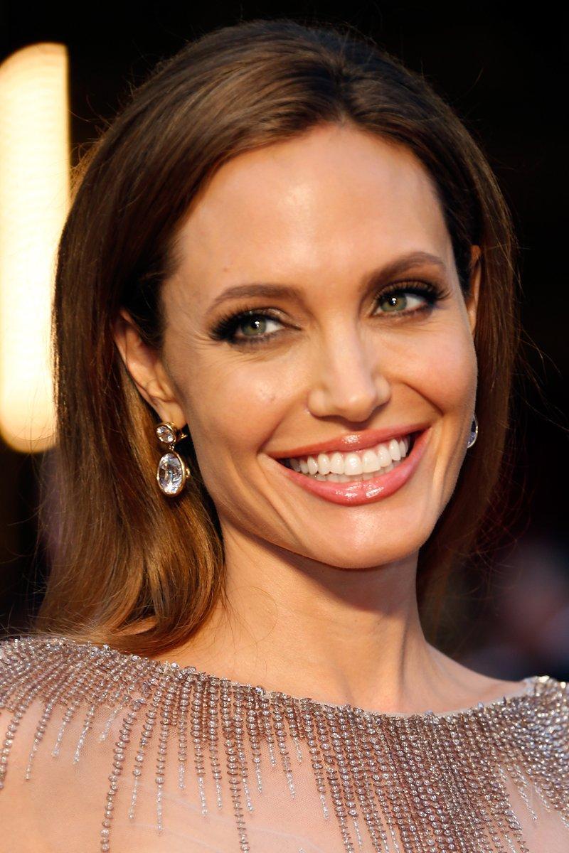 Angelina Jolie Iphone Sexy Wallpapers
