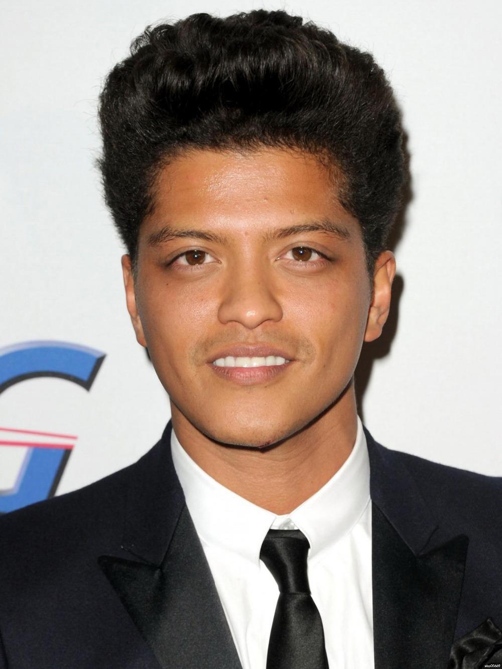 Bruno Mars Desktop For Iphone