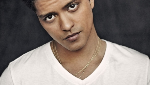 Bruno Mars Iphone Background