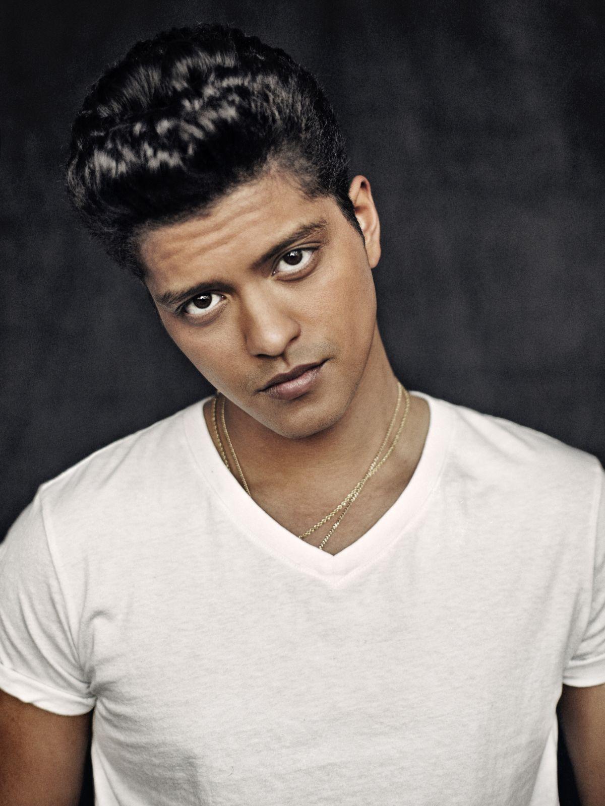 Bruno Mars Iphone Background