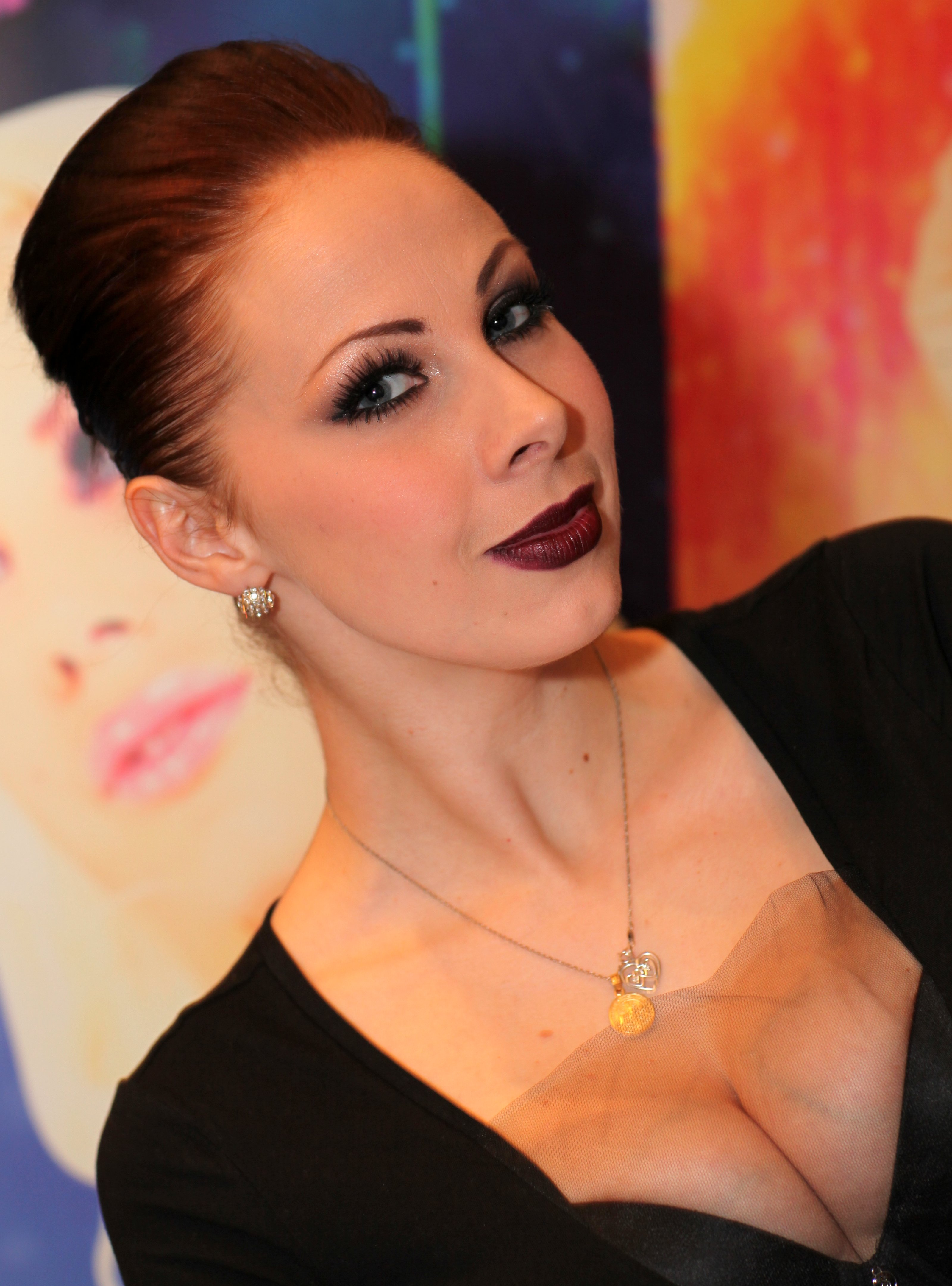 Gianna Michaels Free Download Wallpaper For Mobile
