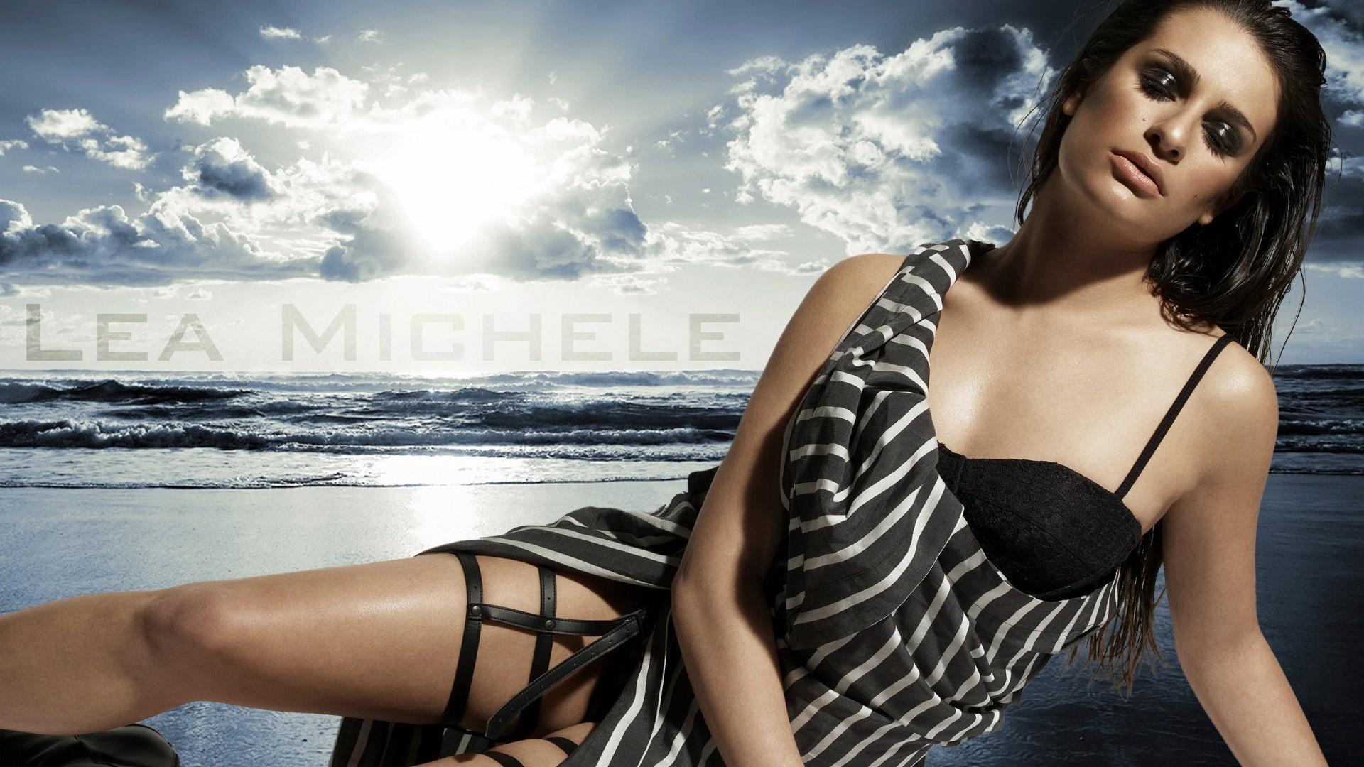 Lea Michele Desktop