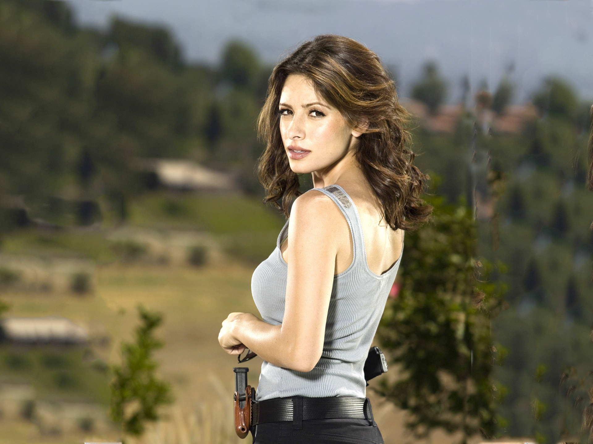 Sarah Shahi High Definition Wallpapers