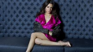 Sarah Shahi Sexy Wallpapers