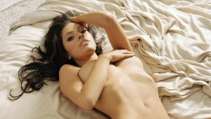 Sarah Shahi Widescreen