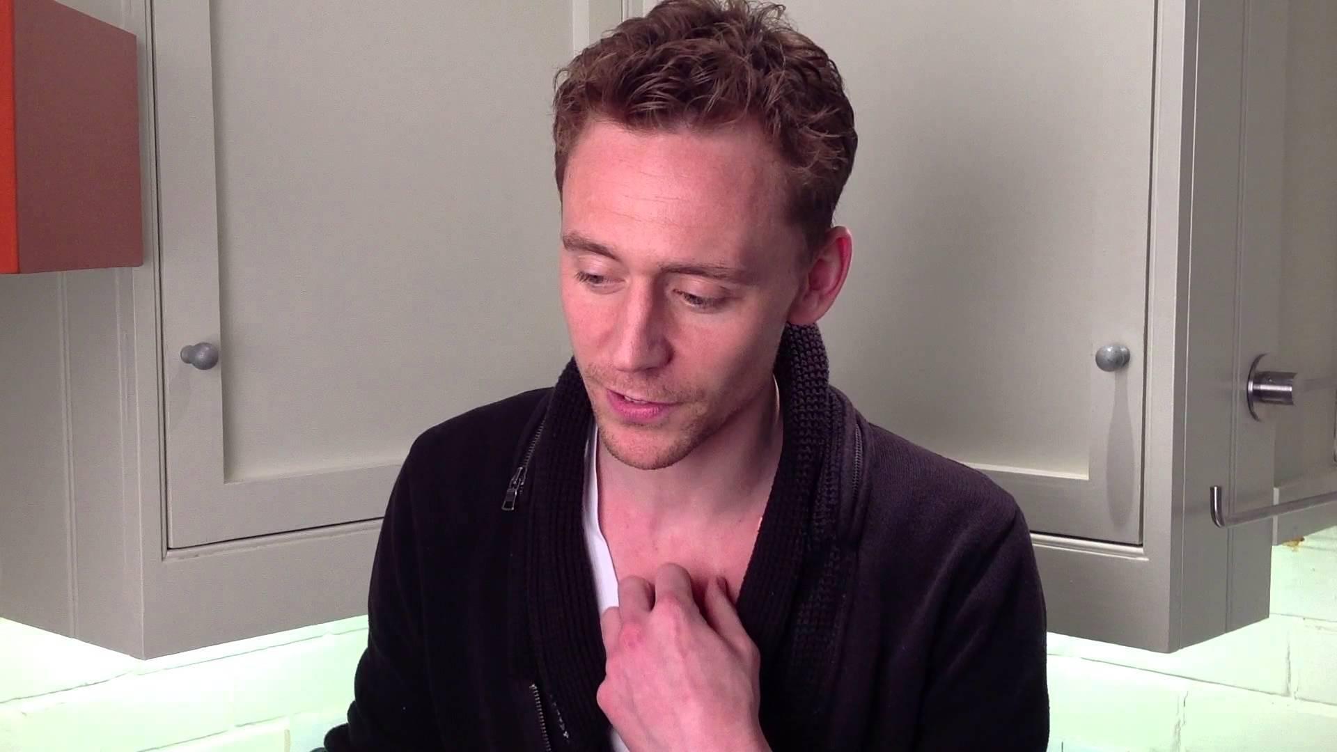 Tom Hiddleston Desktop