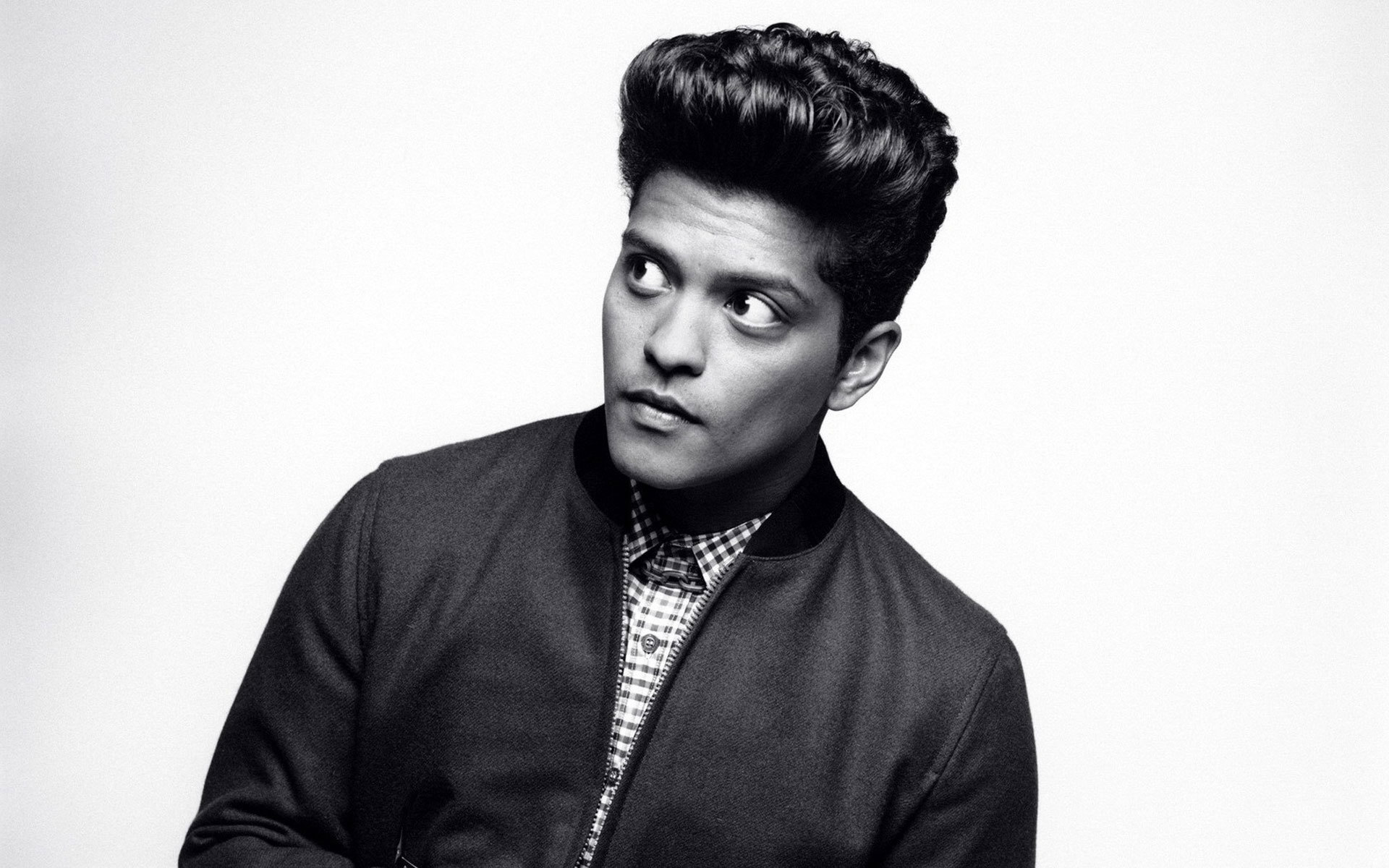 Pictures Of Bruno Mars
