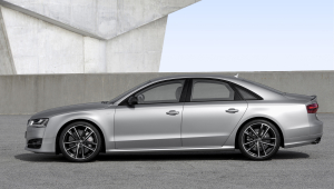 Audi S8 Plus Widescreen