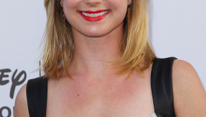 Emily VanCamp Iphone Images
