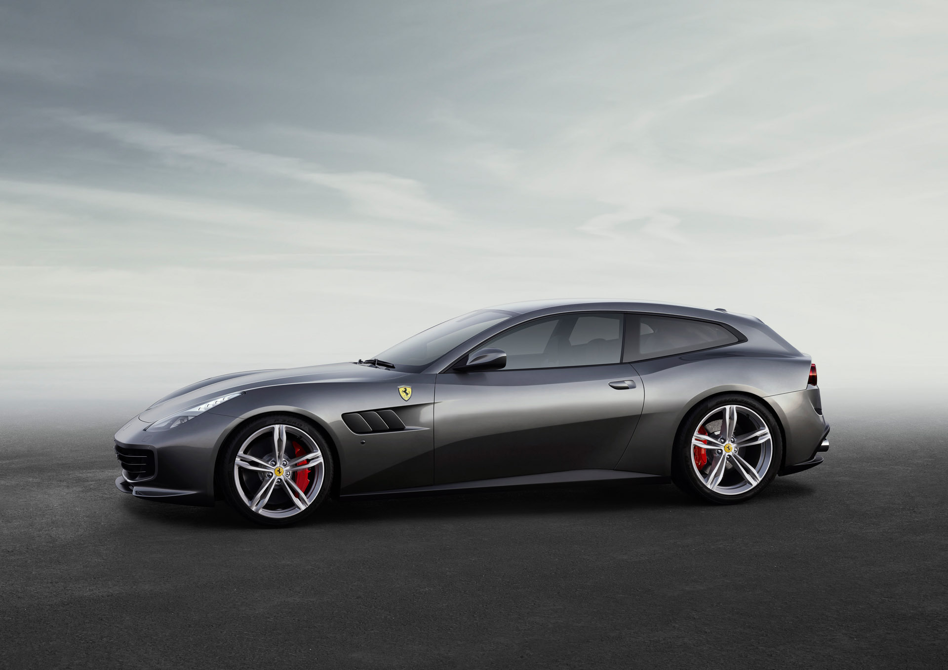 Ferrari GTC4Lusso Widescreen