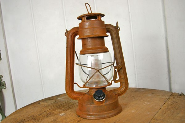 Hurricane Lamps Battery