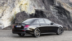 Mercedes AMG E 43 4Matic Wallpaper