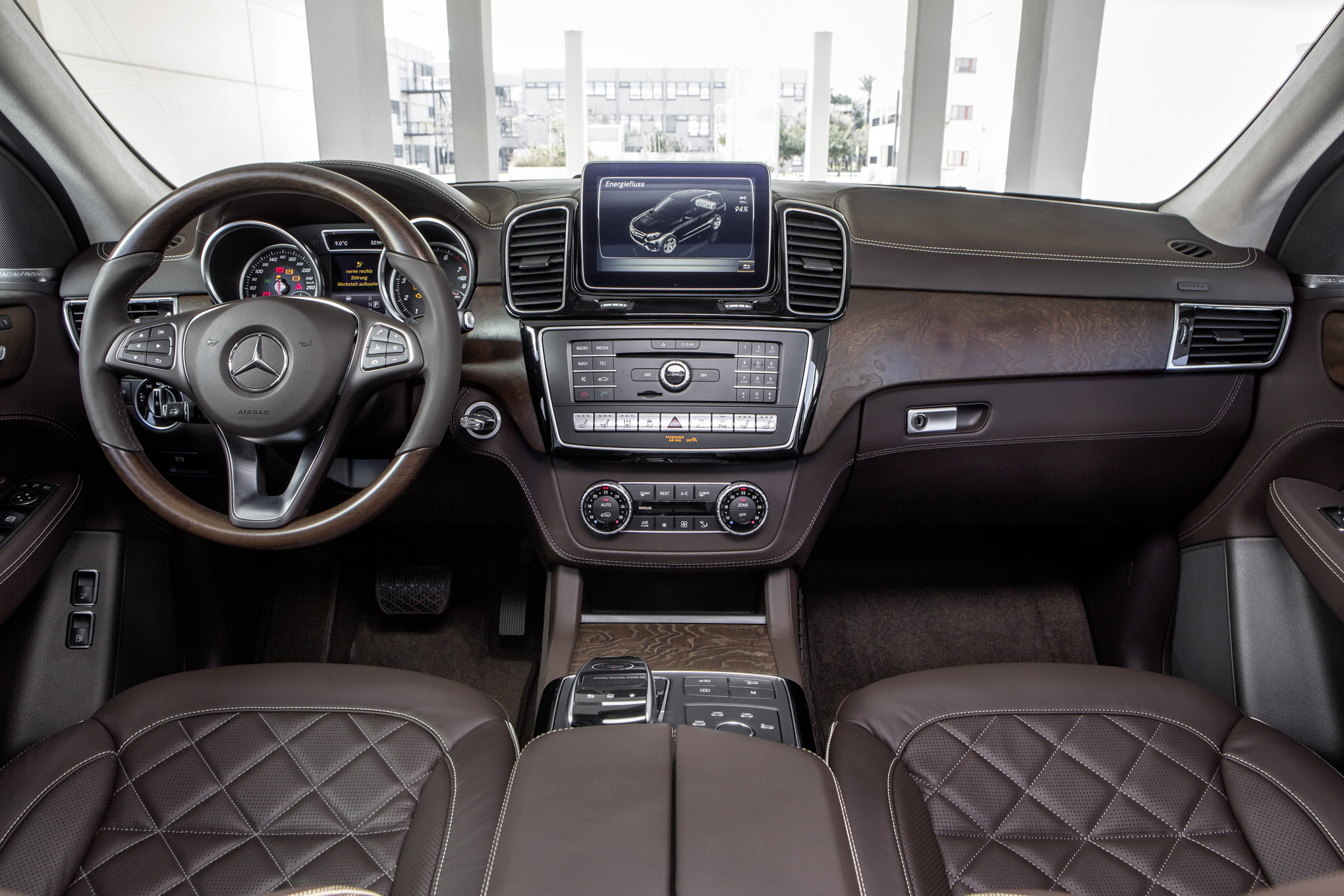 Mercedes Benz GLE Coupe Screenshots