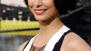 Morena Baccarin Iphone Background