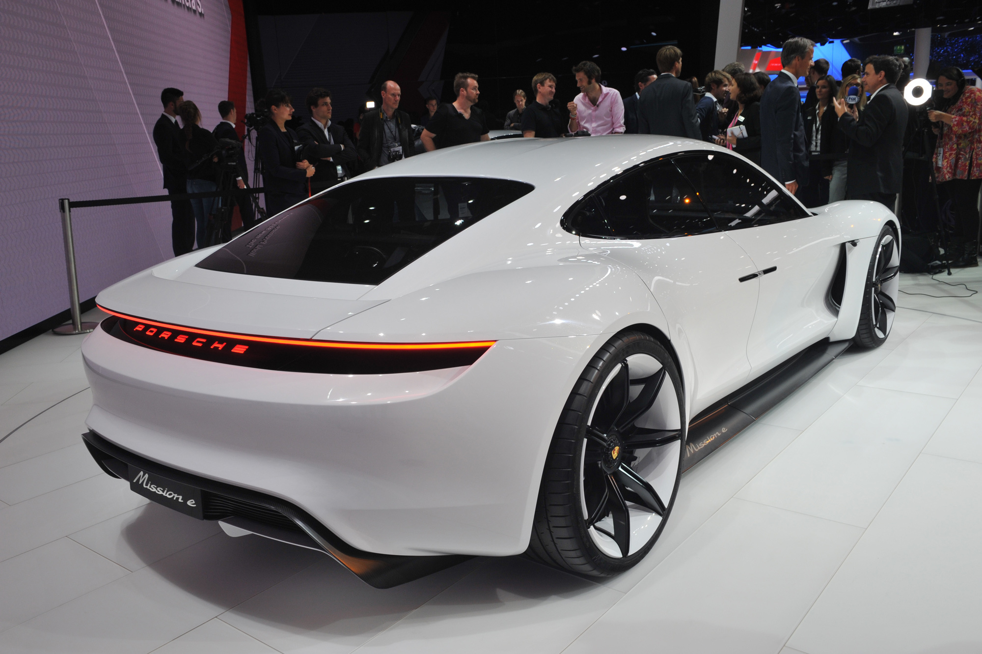 Porsche Mission E Widescreen