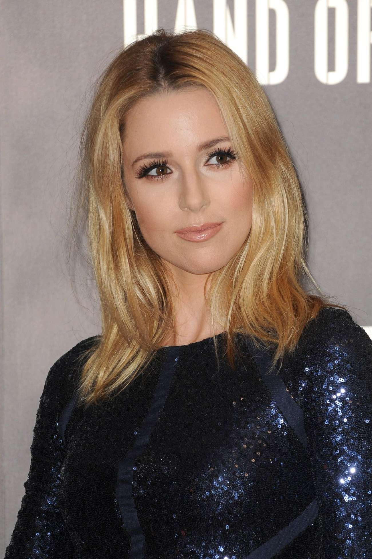Alona Tal Iphone Wallpapers