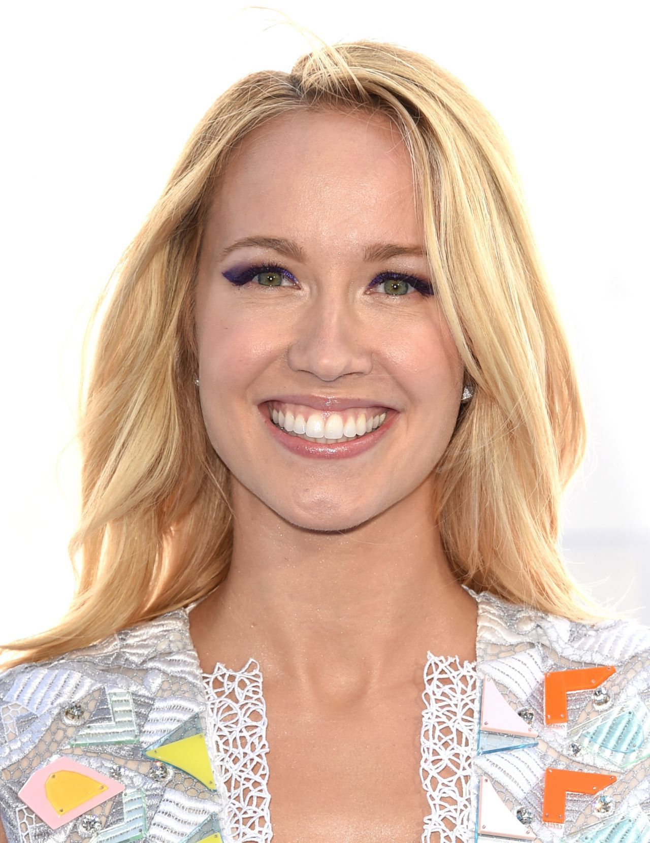 Anna Camp High Quality Wallpapers For Iphone