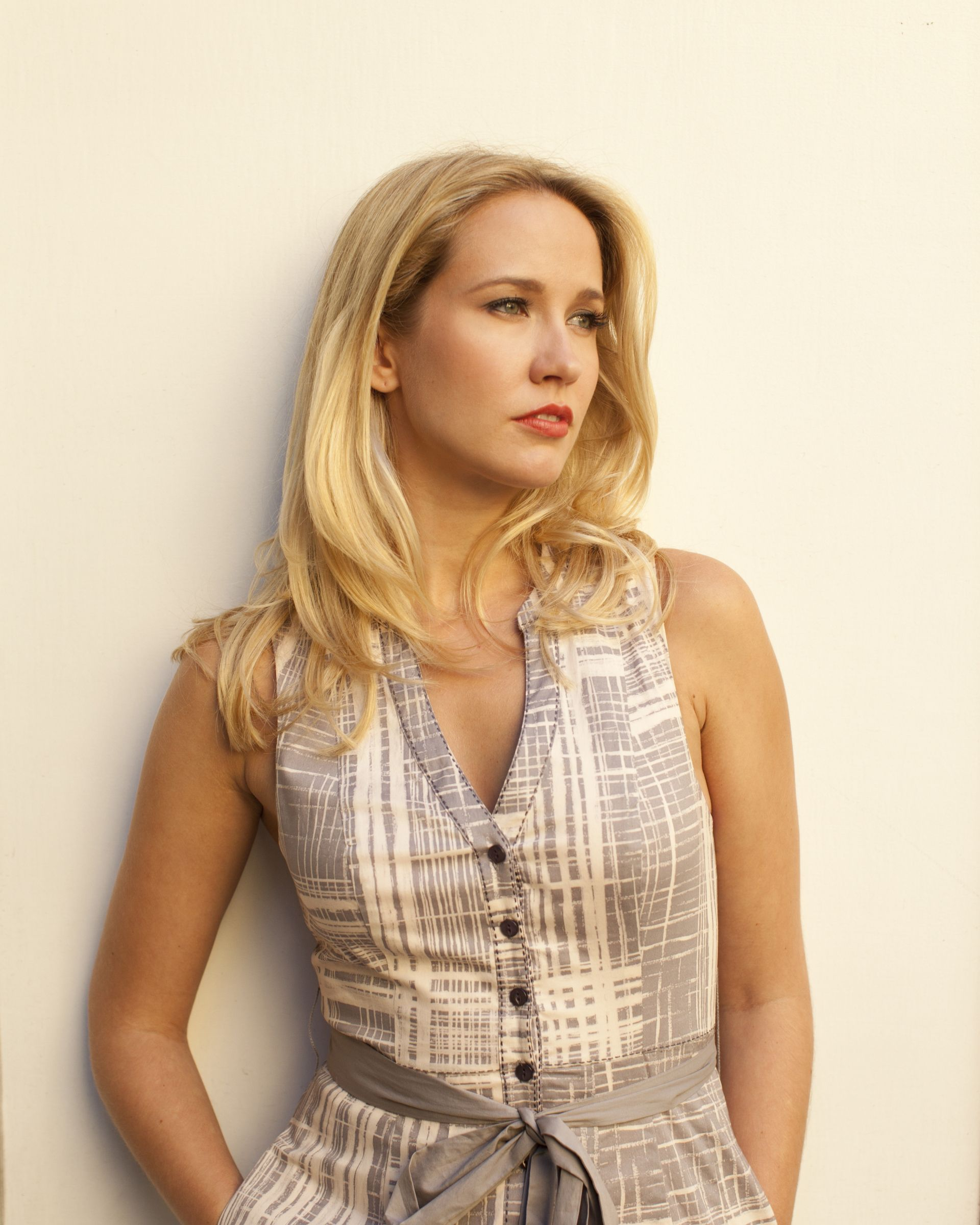 Anna Camp Wallpaper For Iphone