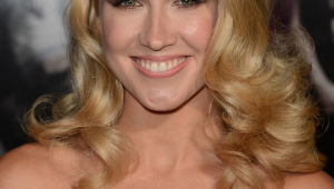 Anna Camp Iphone Wallpapers