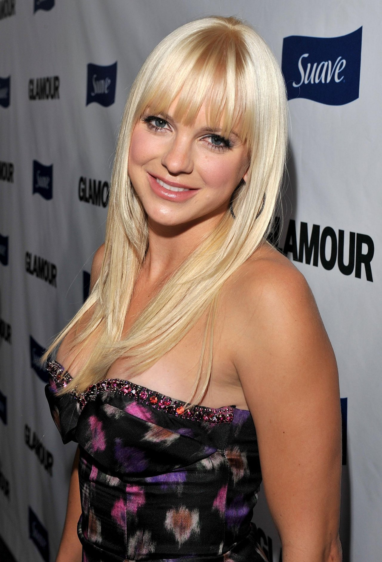 Anna Faris High Quality Wallpapers For Iphone