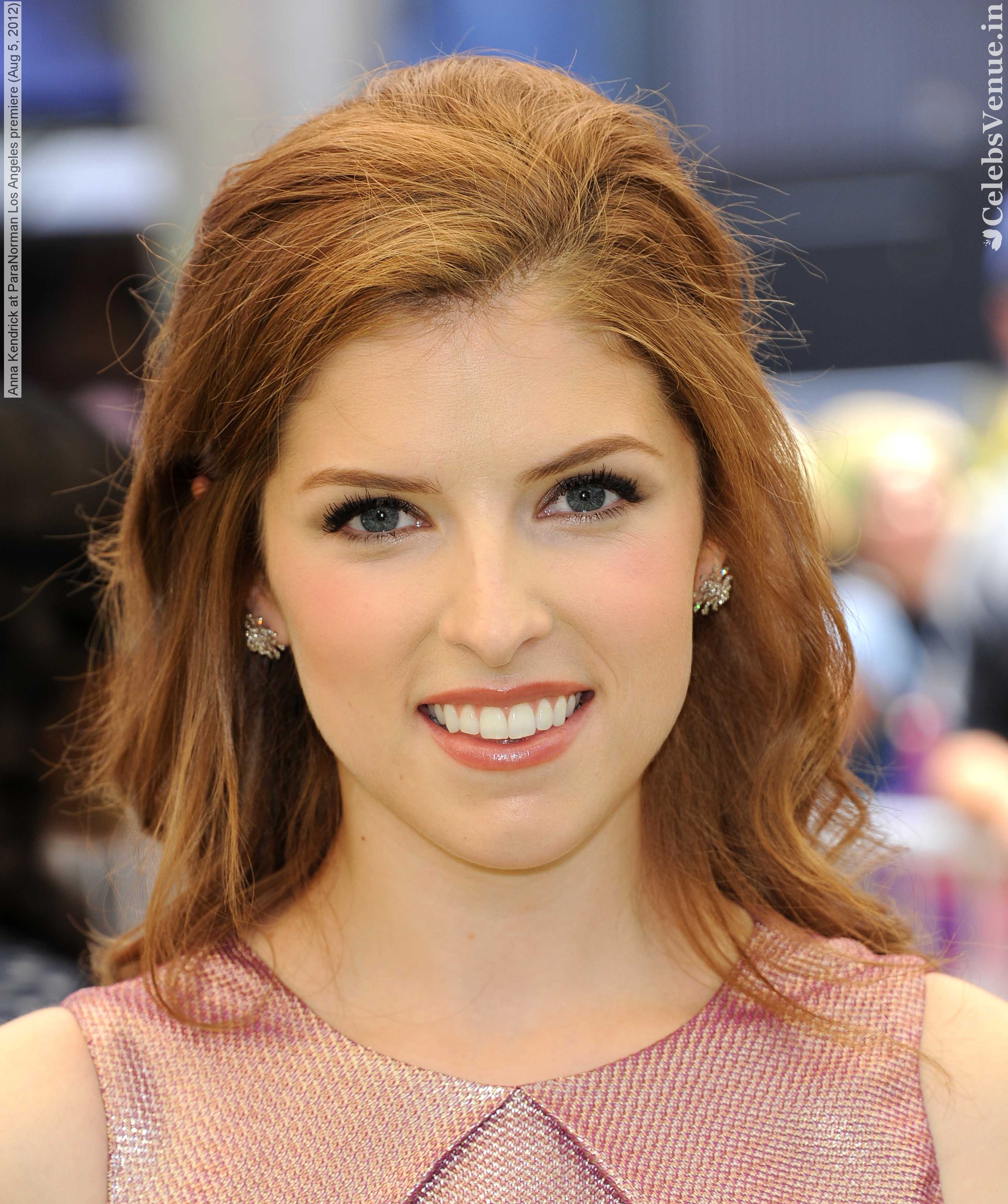 Anna Kendrick Wallpaper For Iphone