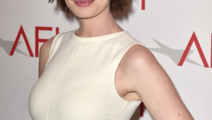 Anne Hathaway Android Wallpapers
