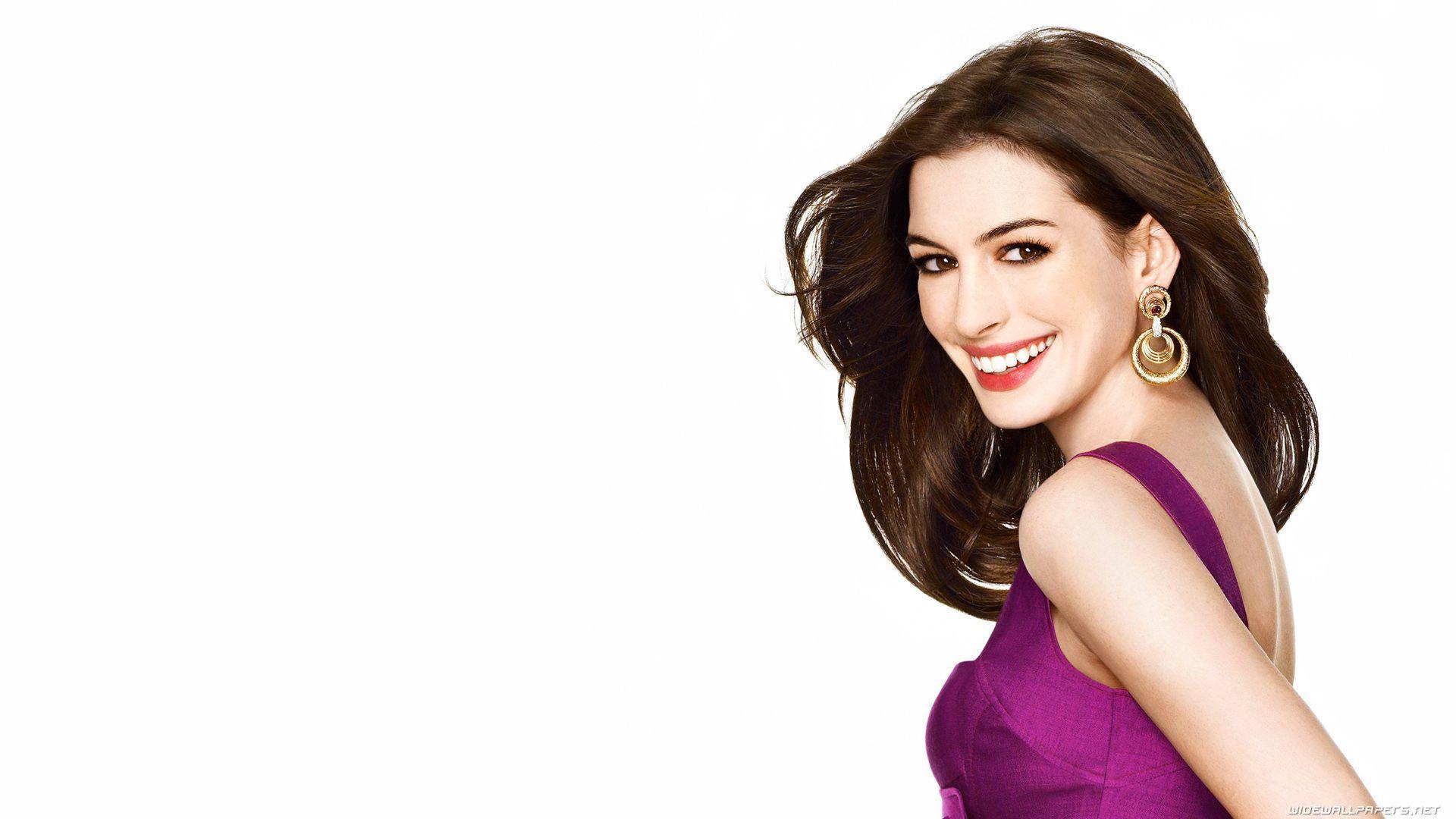 Anne Hathaway Desktop Wallpaper