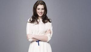 Anne Hathaway HD Desktop