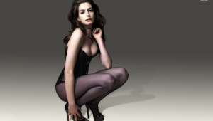 Anne Hathaway Wallpaper For Laptop