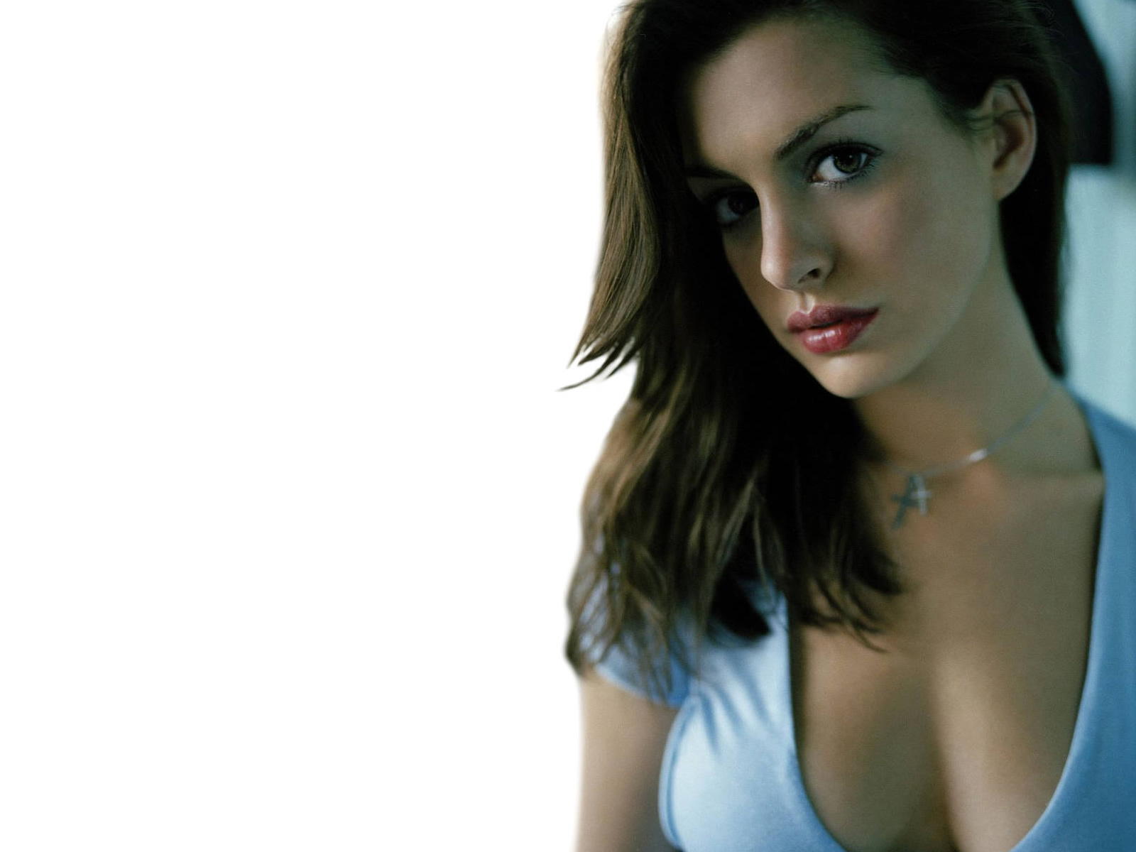 Anne Hathaway Wallpapers HQ