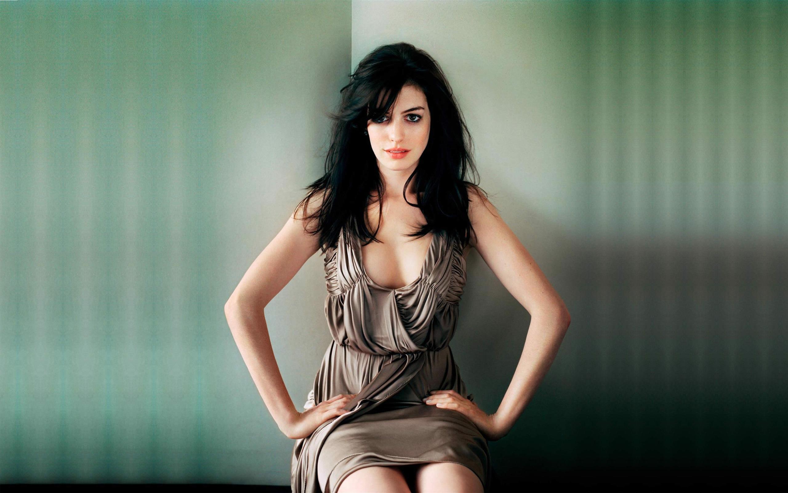 Anne Hathaway Full HD