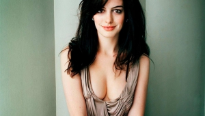 Anne Hathaway Wallpaper For Windows