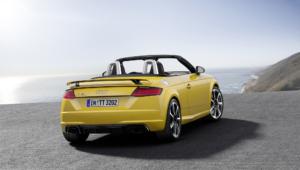 Audi TT RS Images