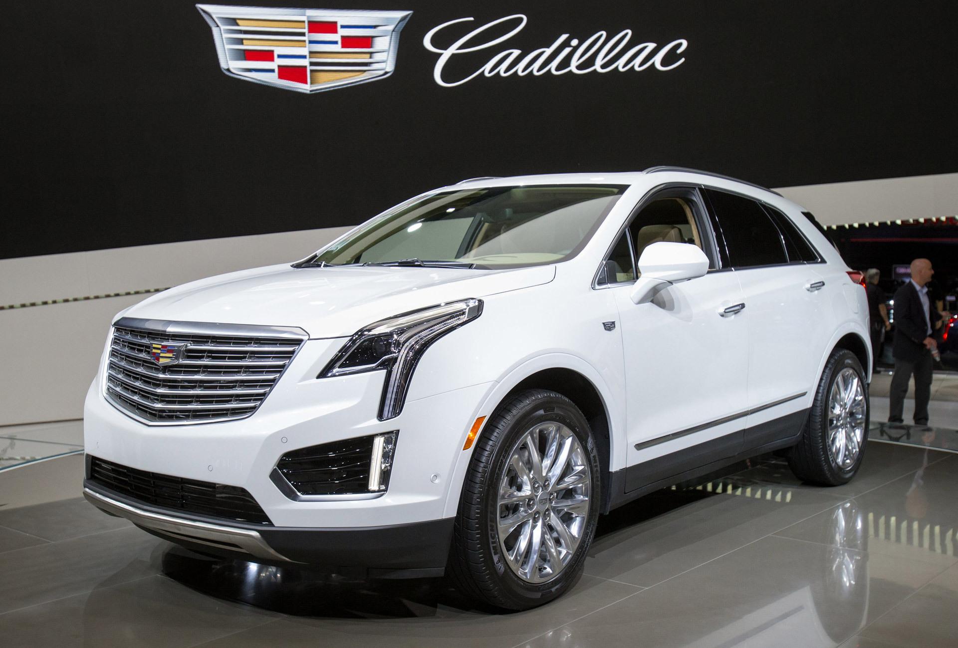 Cadillac XT4 Images