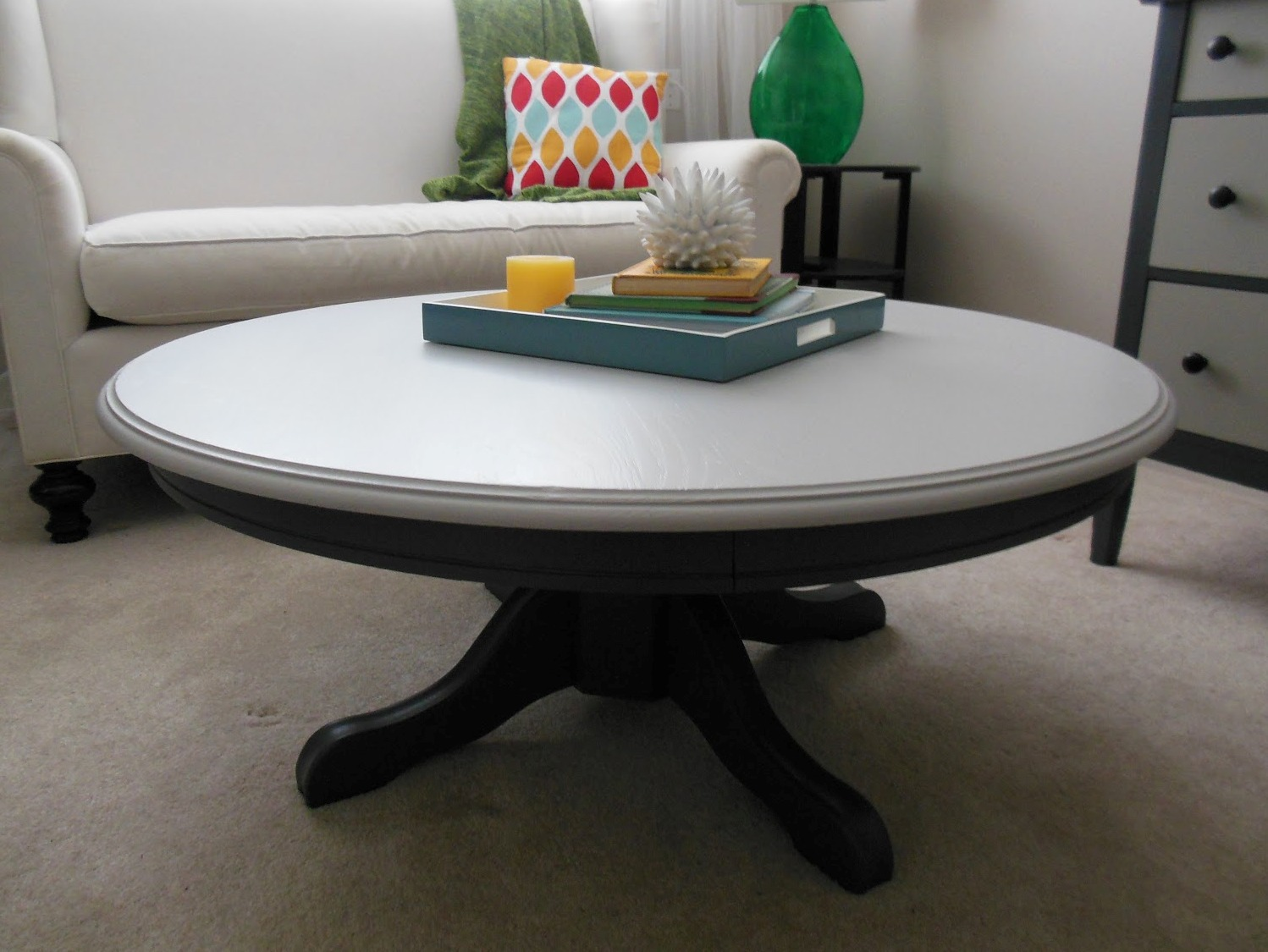 Contrast Color Pedestal Coffee Table
