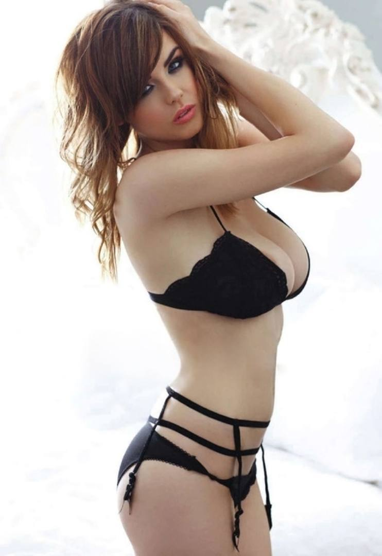 Danielle Sharp Android Wallpapers