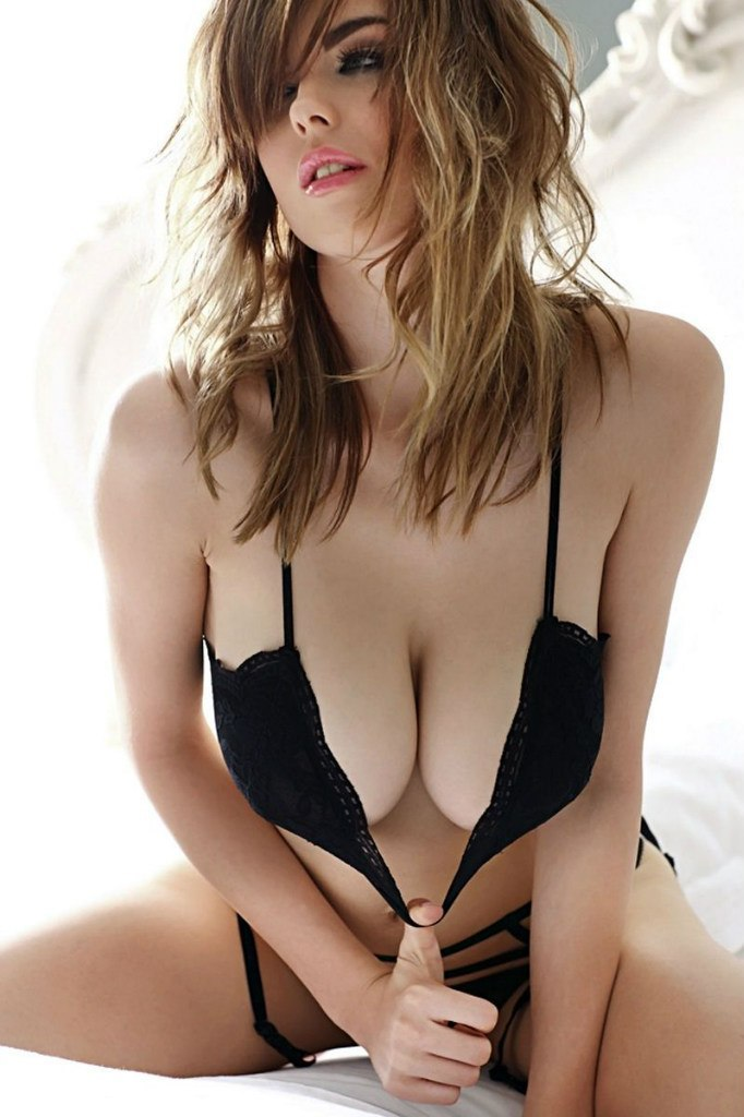 Danielle Sharp High Quality Wallpapers For Iphone