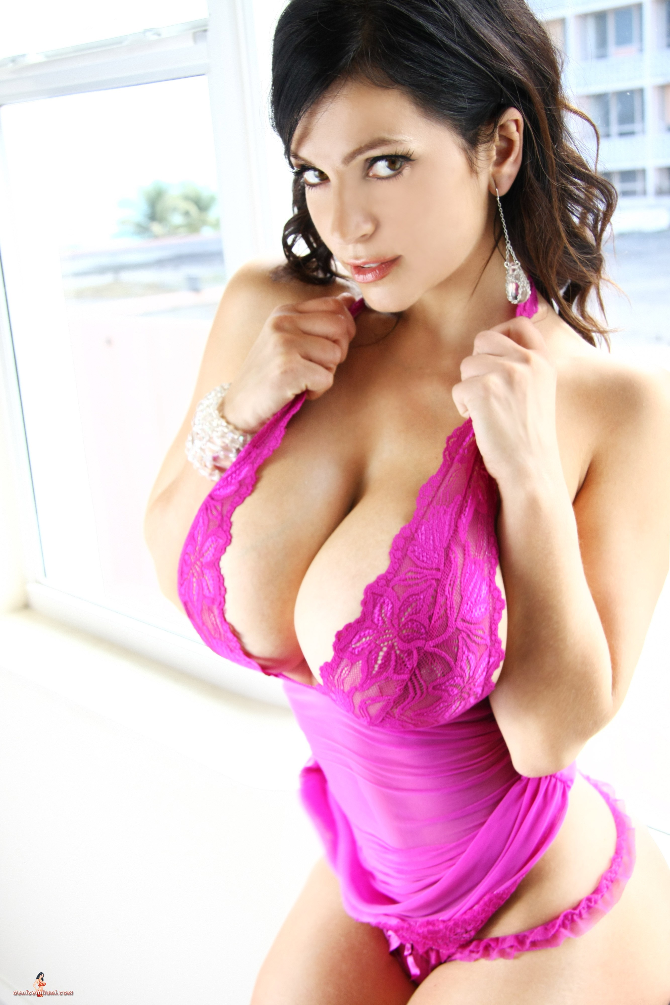Denise Milani High Quality Wallpapers For Iphone