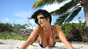 Denise Milani Pics