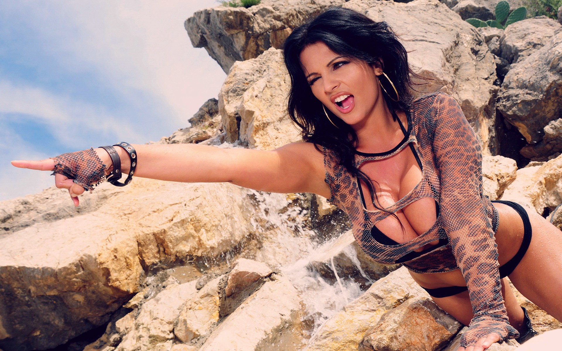 Denise Milani Sexy Wallpapers