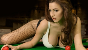 Jordan Carver HD Wallpaper