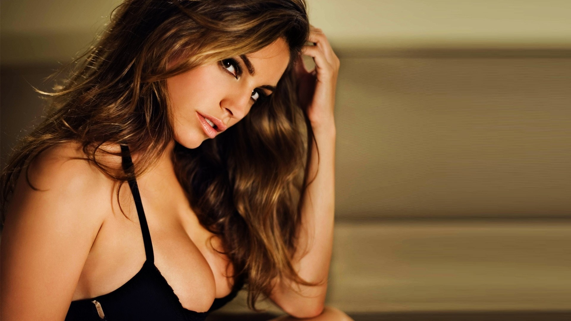 Kelly Brook Download Free Backgrounds HD