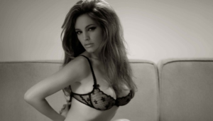 Kelly Brook Pics